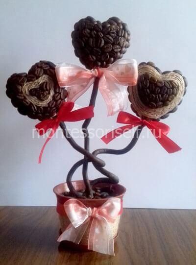 Топиарий с сердечками из кофе на День Святого Валентина