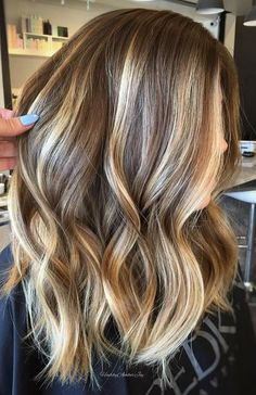 Модный цвет волос для шатенок 2017