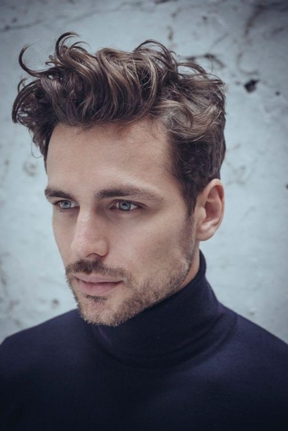 Модные мужские стрижки для вьющихся волос 2017
