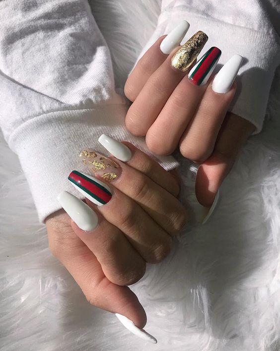 gucci logo nails, маникюр с логотипом