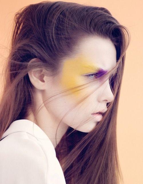 новинки макияжа. Жёлтые румяна