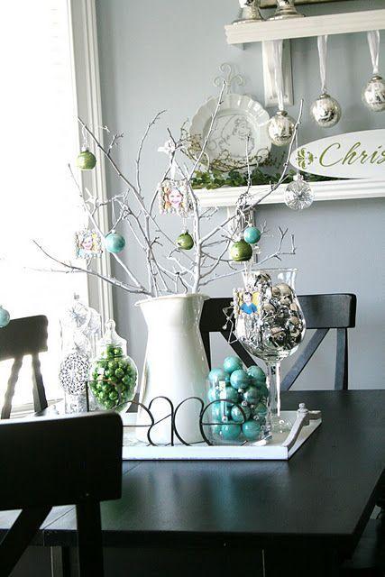 Новогодний декор в голубом цвет
