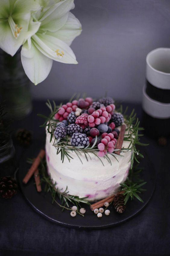 зимний торт с замороженными ягодами