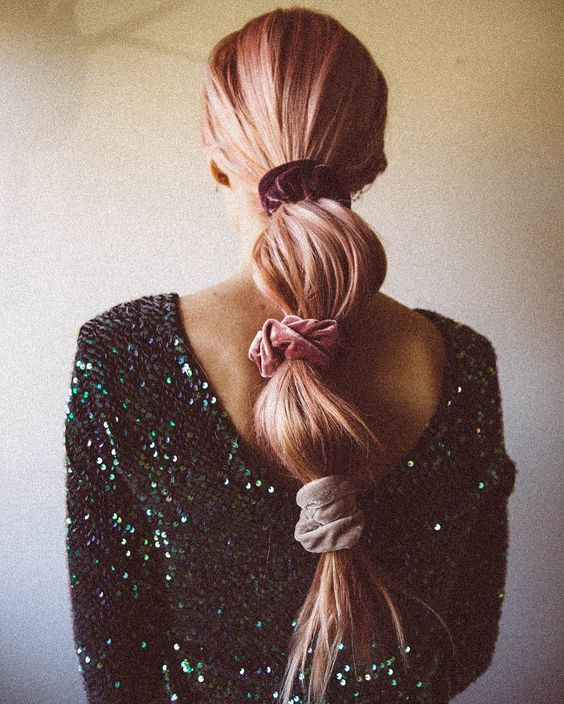 бархатная резинка для волос. прически