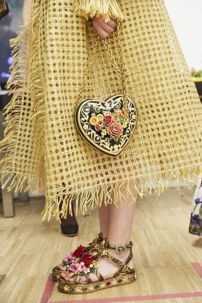 dolce-and-gabbana-summer-2019-women-fashion-show-backstage-65-800x533