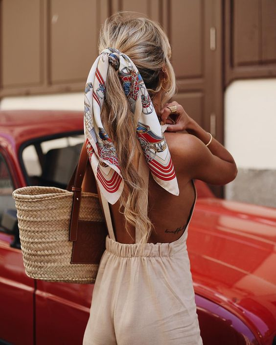 прически с платком, шарфом