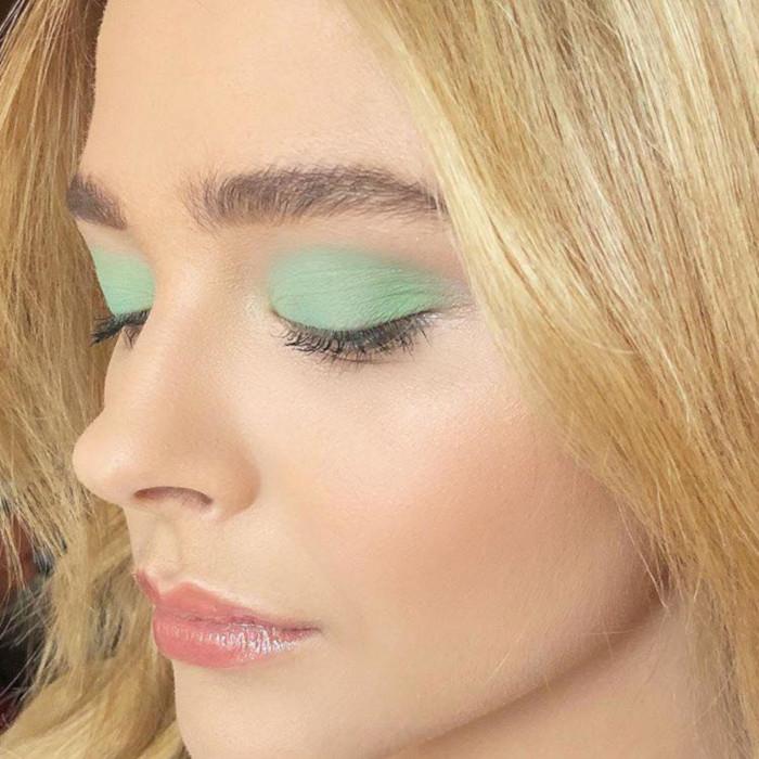 зеленые тени в макияже