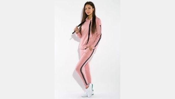 Одежда спортивного стиля женская – комфортная повседневность для современных модниц