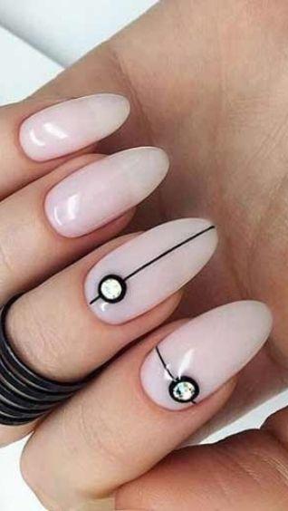 Дизайн ногтей молочного цвета – идеи для вашего модного образа