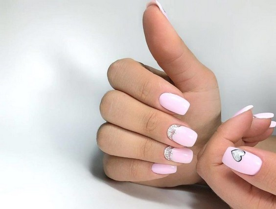 дизайн ногтей с сердечками