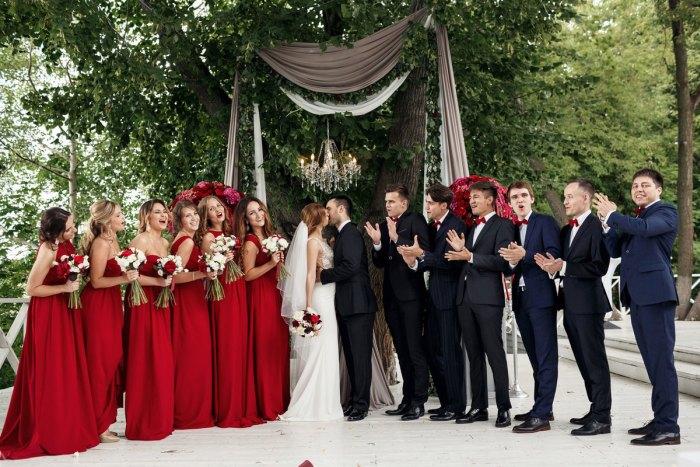 платье на свадьбу для гостей