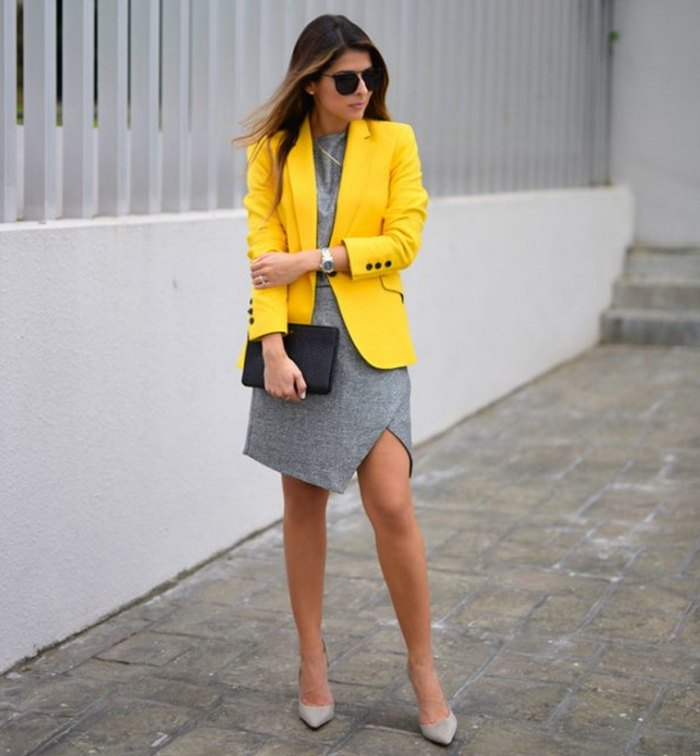 сочетние желтого и серого в одежде