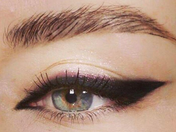 стрелки для глаз миндалевидной формы
