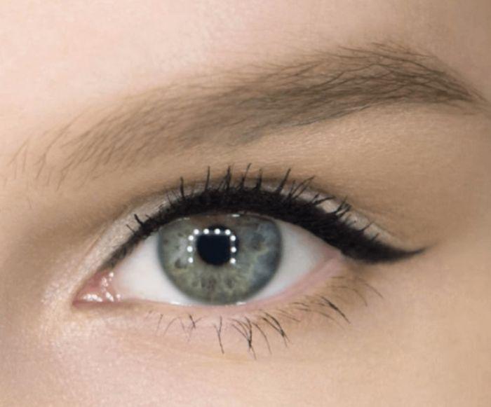 аккуратная тонкая стрелка на глазах