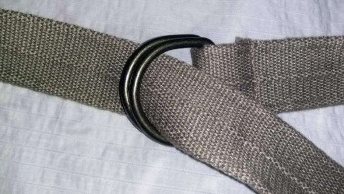 как застегнуть пояс с двумя кольцами